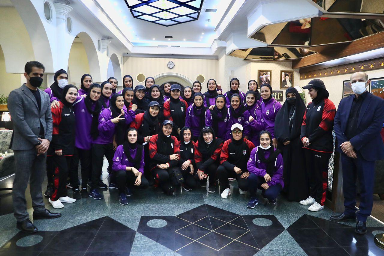 تیم ملی فوتبال بانوان با پرواز اختصاصی وارش به ایران بازگشت
